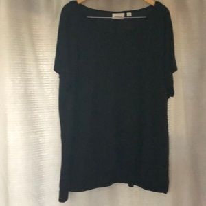Avenue short sleeve top. (Size 22/24)